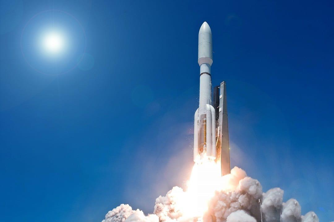rocket-launching_313107338-1080.jpg